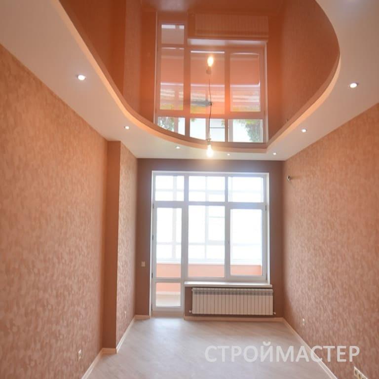Натяжные потолки в гостиную с подсветкой