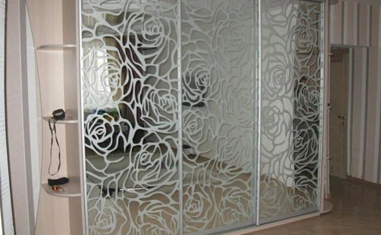 Двери с пескоструйным рисунком для шкафов купе в Уфе